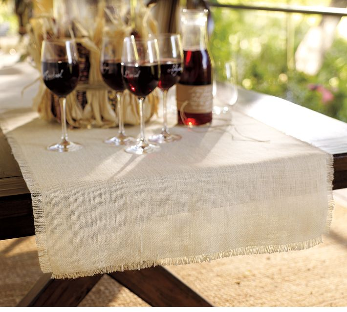 Tutorial Pottery Barn Burlap Table Runner With Perfect Edges Ella Claire